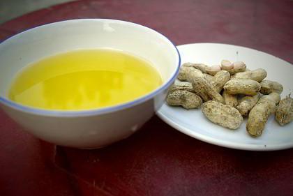 Dầu đậu phộng nguyên chất Quảng Nam