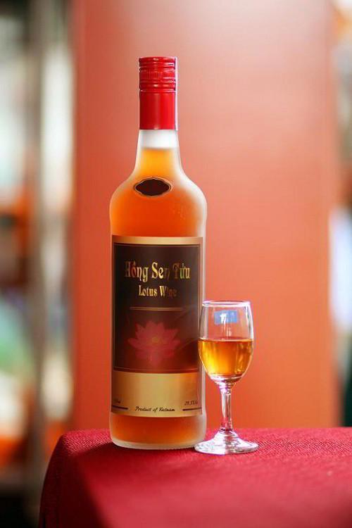 rượu sen Hồng Sen Tửu