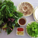 rau rừng Tây Ninh ăn cùng bánh tráng phơi sương