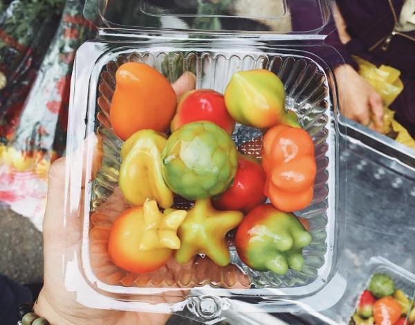 Bánh đậu xanh trái cây đặc sản Huế