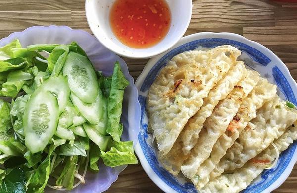 Bánh xèo món ăn đặc sản Quảng Ngãi